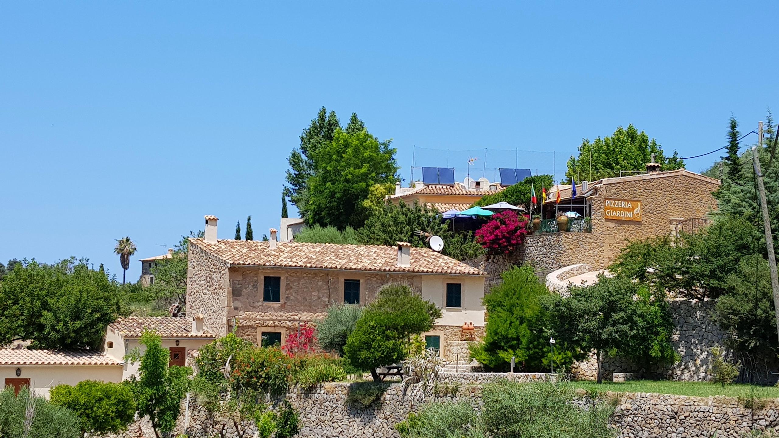 Lunsjstopp på biltur på Mallorca