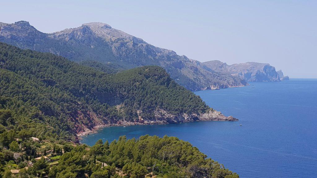 Kysten på Mallorca - utsikt fra biltur