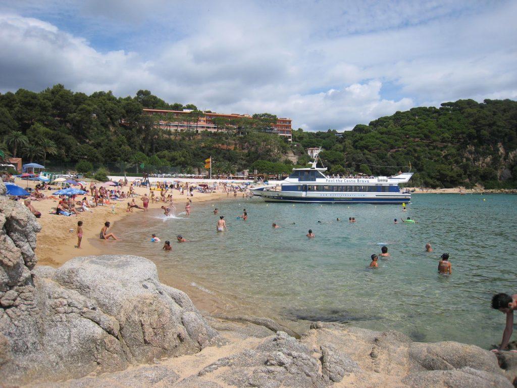 Badebåt på Costa Brava