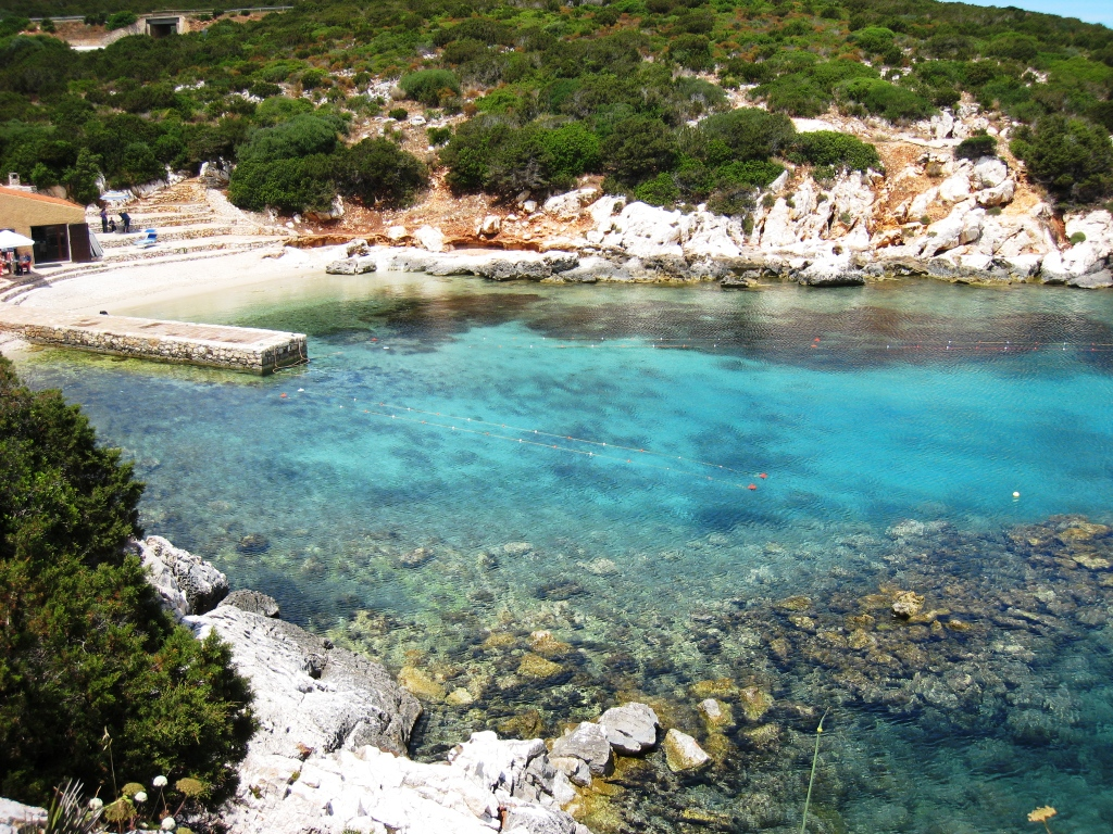 Badeviken Cala Dragunara utenfor Alghero