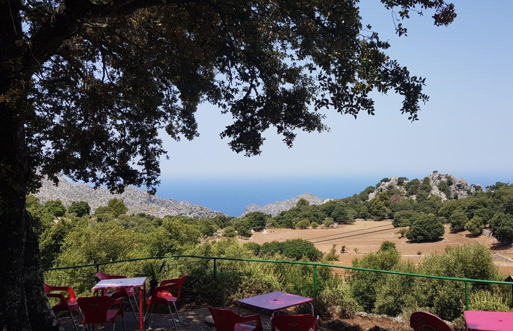 Med bil på Mallorca - lunsjstopp langs veien