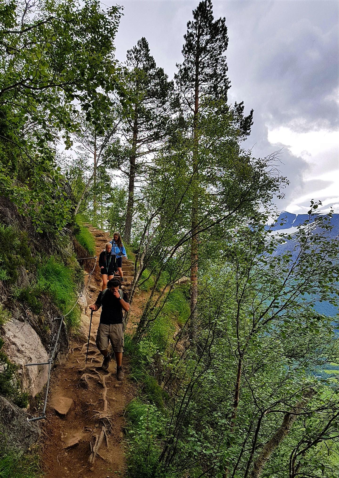 Stien opp til Rampestreken Åndalsnes