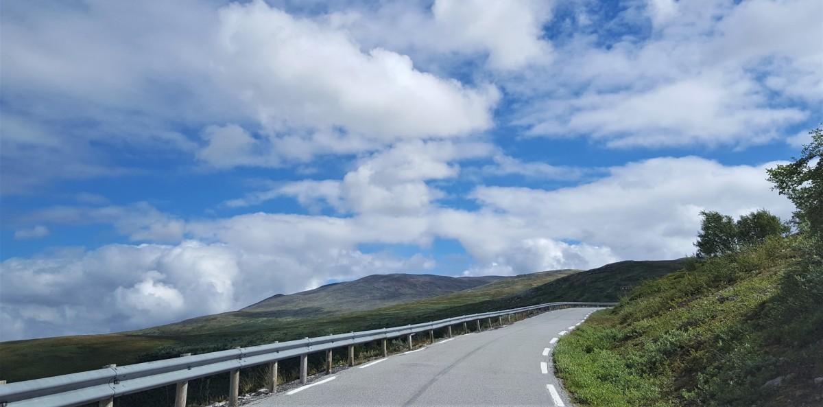 Bilferie Vestlandet på smale veier over Aurlandsfjellet