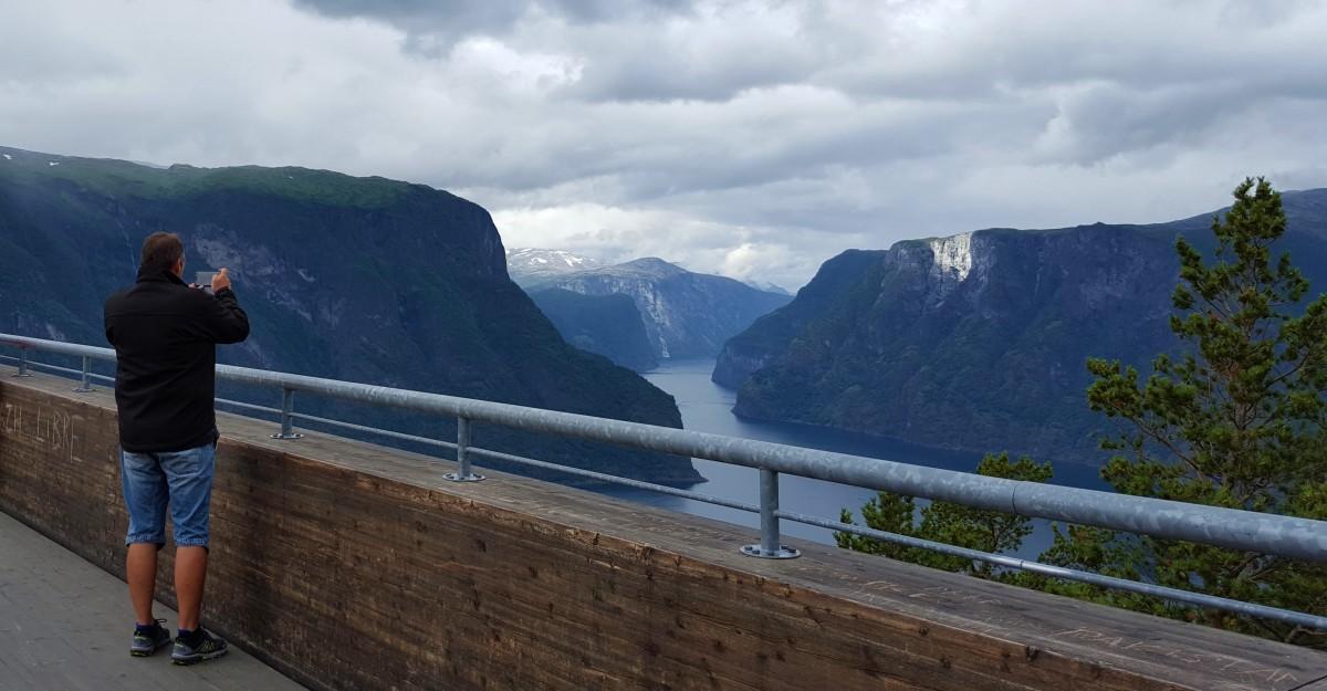 Stegasteinen med fjordutsikt - bilferie Vestlandet