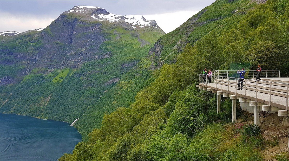 Ørnesvingen utsiktspunkt mot Geirangerfjorden
