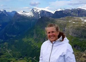 Reiseblogger på toppen av Dalsnibba