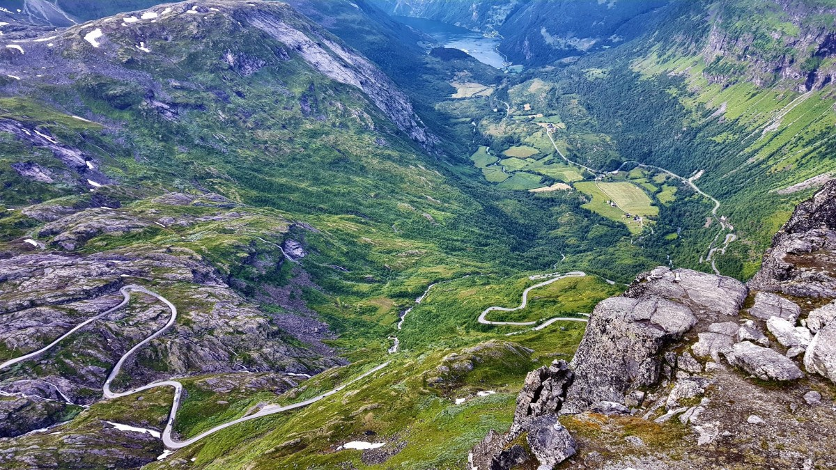 Veien mot Geiranger - utsikt fra Dalsnibba