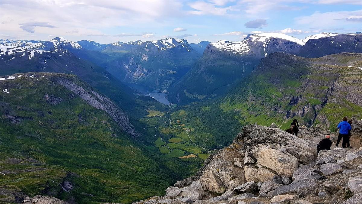 Utsikt fra Dalsnibba