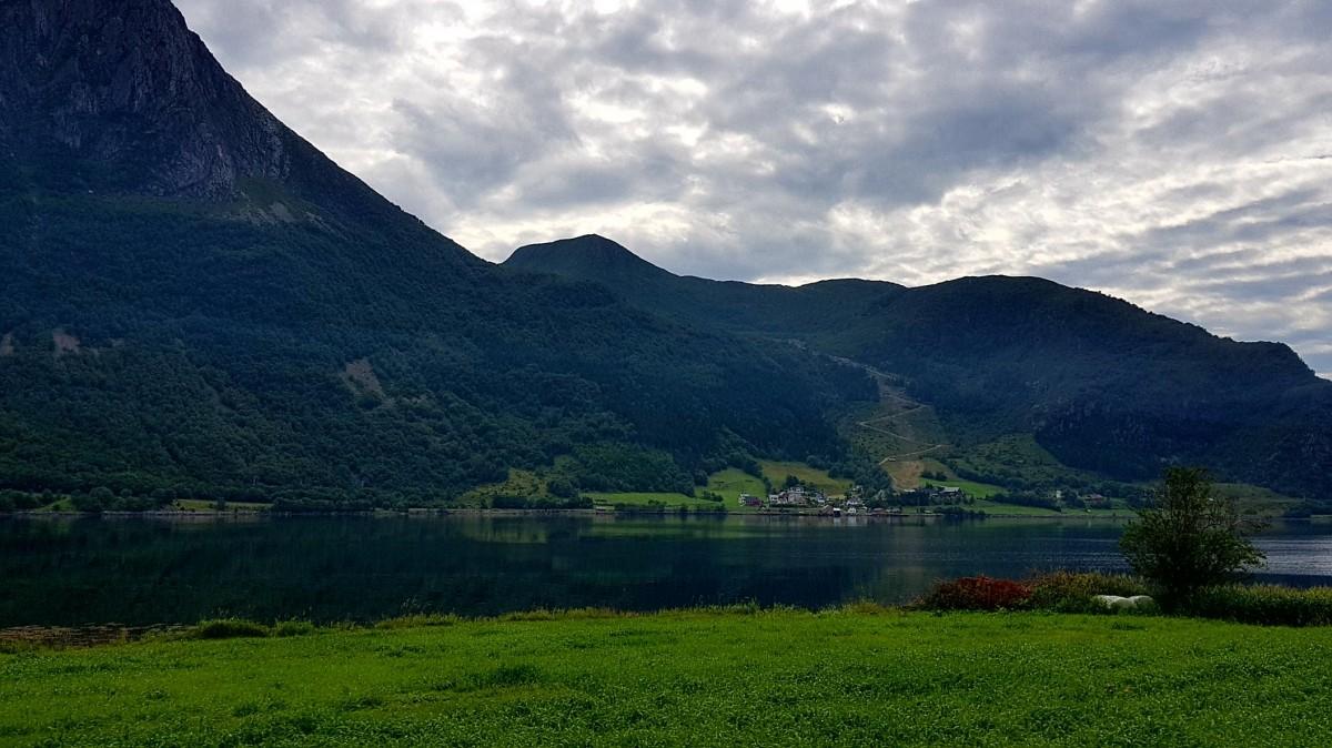 Fjord ved Eidså