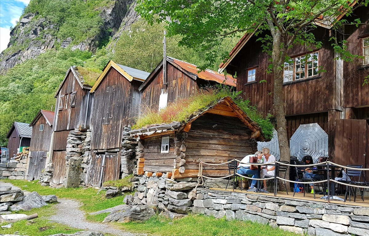 Gamle sjøboder i Geiranger