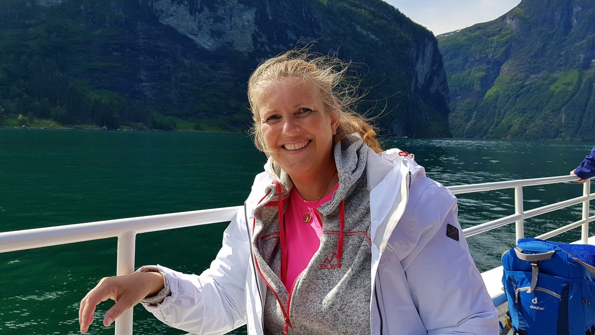 Fornøyd turist på Geirangerfjorden