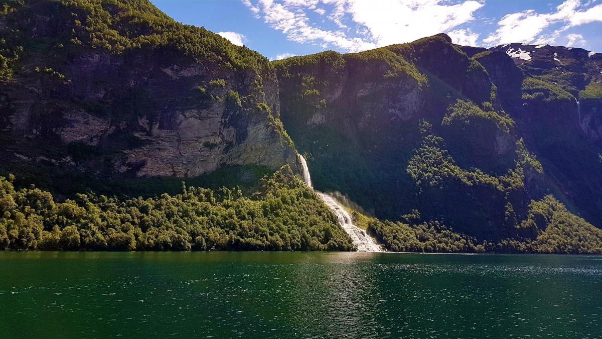 Båttur Geirangerfjorden