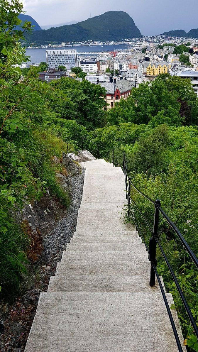 Trappene fra Aksla til Ålesund