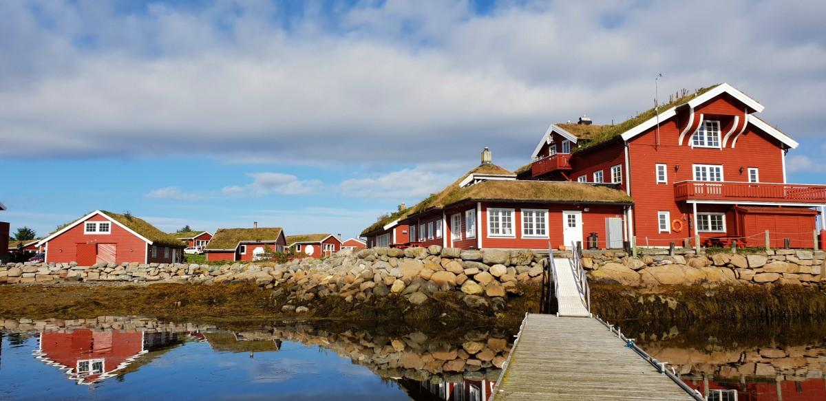 Hustadvika Gjestegård ved Atlanterhavsvegen.
