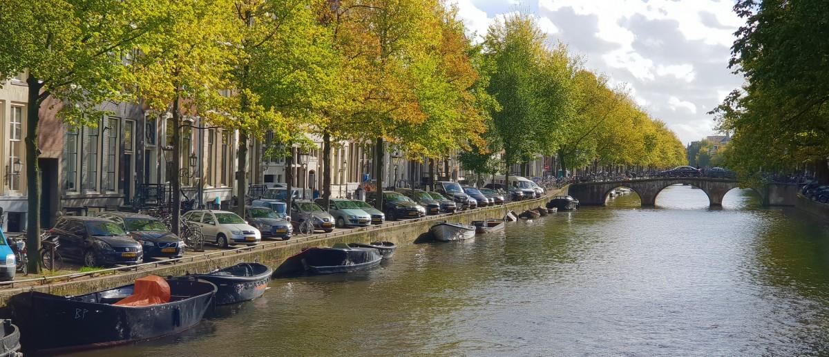 Kanalbåter i Amsterdam