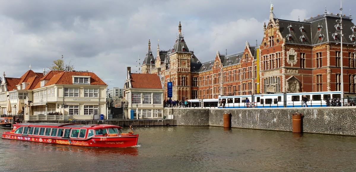 Jernbanestasjonen i Amsterdam