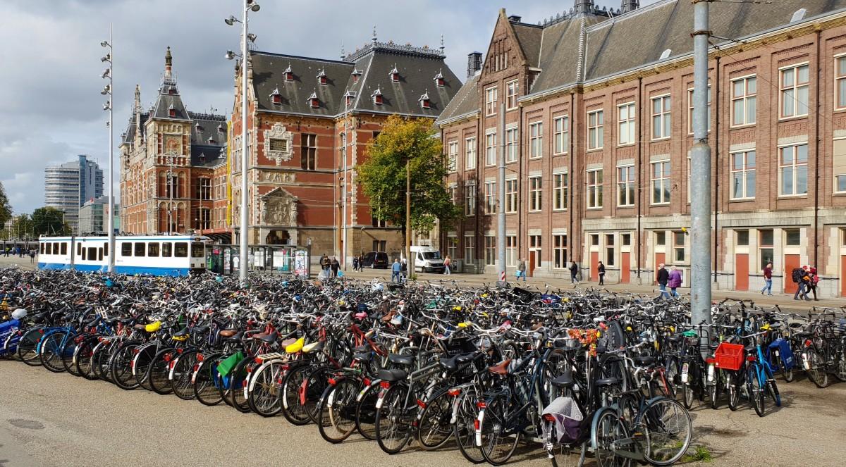 Sykkelparkering i Amsterdam
