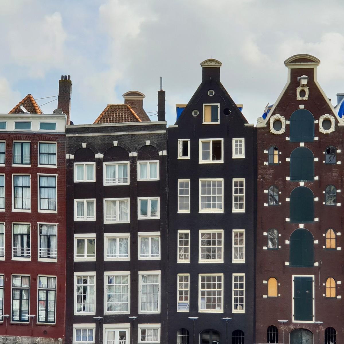 Dansend hus i Amsterdam