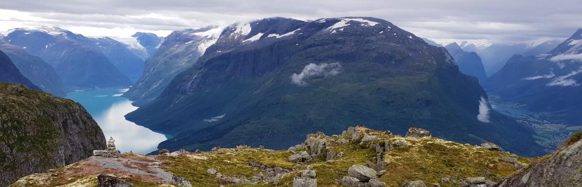Utsikt mot 2 fjorder.